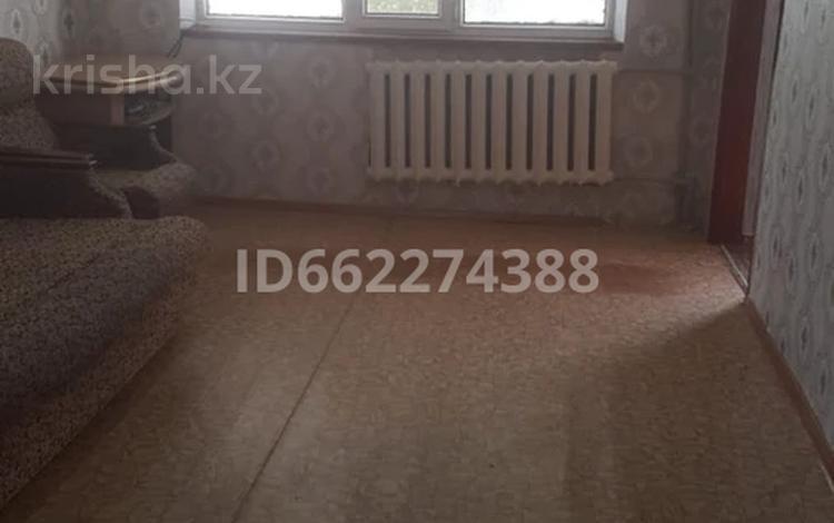 3-комнатная квартира, 48 м², 1/5 этаж, Пр. Абая 47 за 6.2 млн 〒 в