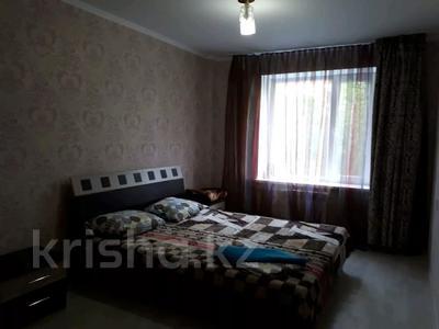 2-комнатная квартира, 60 м², 1/9 этаж посуточно, Кунаева 61 за 10 000 〒 в Уральске — фото 2