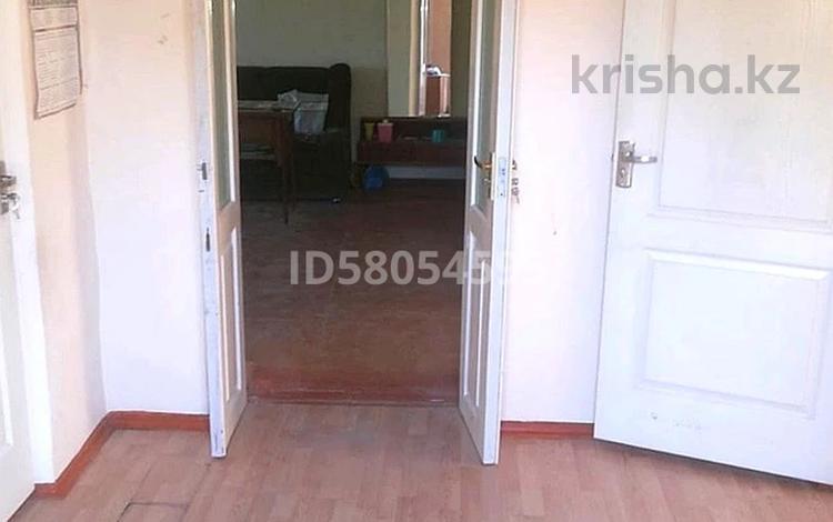 4-комнатный дом, 80 м², 9.95 сот., Кенен Азербаева за 15 млн 〒 в Таразе