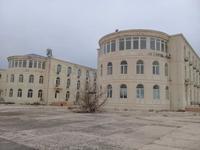 Здание, площадью 6000 м²