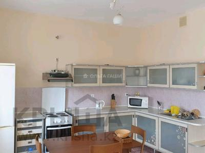 2-комнатная квартира, 78 м², 6/9 этаж помесячно, Желтоксан 1 за 180 000 〒 в Нур-Султане (Астана), Сарыарка р-н