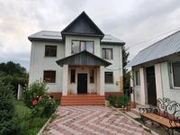 9-комнатный дом, 300 м², 10 сот.