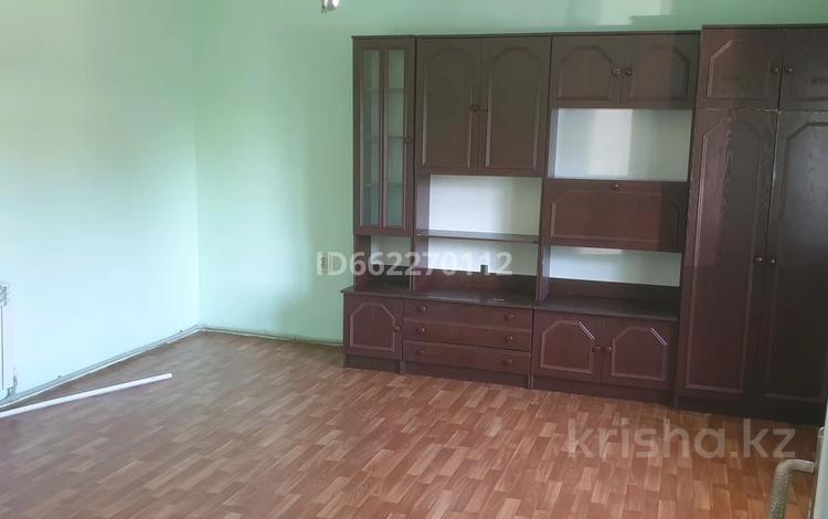 1-комнатный дом помесячно, 40 м², мкр Алгабас, Онгарсынова за 50 000 〒 в Алматы, Алатауский р-н