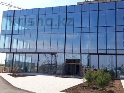 Здание, площадью 930 м², проспект Мангилик Ел 63 за 465.6 млн 〒 в Нур-Султане (Астана), Есиль р-н