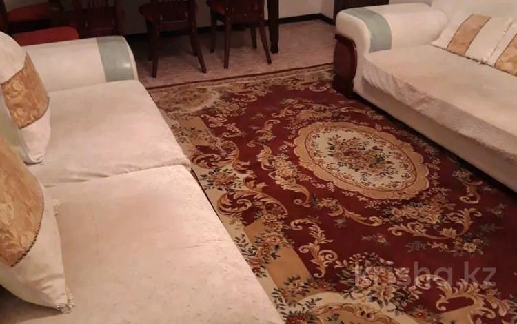 3-комнатная квартира, 88 м², 2/5 этаж посуточно, Абулхаир хана 73 — Молдагулова за 9 000 〒 в Актюбинской обл.