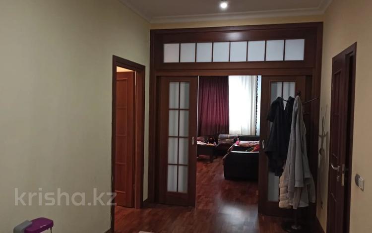 2-комнатная квартира, 87 м², 3/18 этаж, Брусиловского 144 за 36.5 млн 〒 в Алматы, Алмалинский р-н
