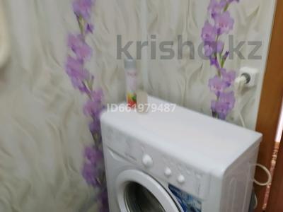 1-комнатная квартира, 34 м², 3/9 этаж посуточно, 6 34 за 5 000 〒 в Лисаковске — фото 2