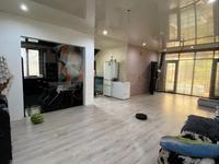 4-комнатный дом, 165 м², 6 сот., Жумабаева — Кассина за 38 млн 〒 в Алматы, Турксибский р-н