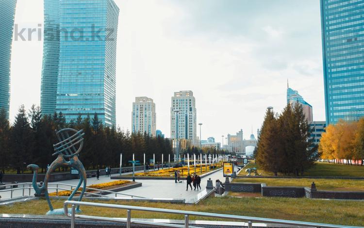 4-комнатная квартира, 200 м², 2 этаж, Кунаева — Акмешит за ~ 75 млн 〒 в Нур-Султане (Астане), Есильский р-н