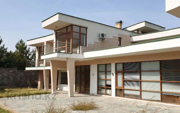 9-комнатный дом, 832 м², 30 сот., мкр Мирас, Садыкова за 485 млн 〒 в Алматы, Бостандыкский р-н