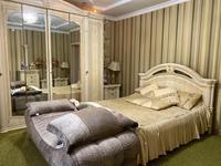 10-комнатный дом помесячно, 406 м², 12 сот.
