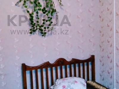 1-комнатная квартира, 33 м², 1/5 этаж посуточно, Курмангазы 163 — проспект Евразия за 5 000 〒 в Уральске — фото 5
