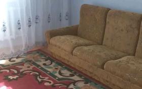 3-комнатная квартира, 70 м², 11/12 этаж помесячно, 15 мкр 18 — Ауэзова за 80 000 〒 в Семее