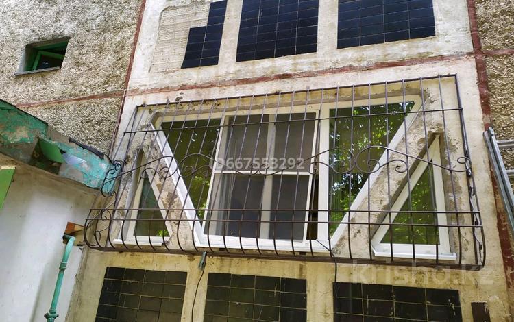 2-комнатная квартира, 50 м², 1/9 этаж, мкр Аксай-3А 13 за 25 млн 〒 в Алматы, Ауэзовский р-н