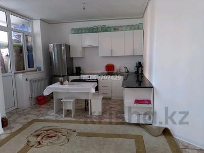 2-комнатная квартира, 70 м², 3/17 этаж, Айтматова 38 за 23.5 млн 〒 в Нур-Султане (Астане), Есильский р-н