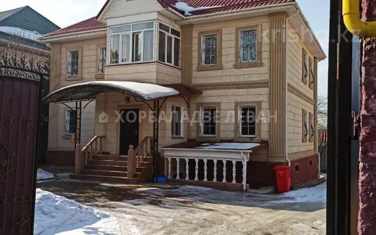 7-комнатный дом, 350 м², 10 сот., мкр Мирас, Саяна Шаймерденова за 105 млн 〒 в Алматы, Бостандыкский р-н