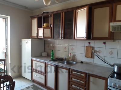 3-комнатная квартира, 90 м² помесячно, Мкр «Самал» 1–10 за 160 000 〒 в Нур-Султане (Астана) — фото 10
