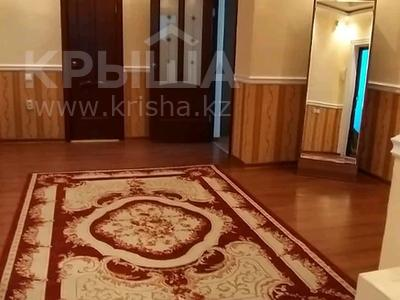 3-комнатная квартира, 120 м², 9/9 этаж посуточно, улица Академика Жарбосынова 62 — Исатай Тайманова за 16 000 〒 в Атырау