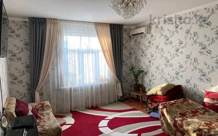 2-комнатная квартира, 75 м², 3/4 этаж, мкр Нурсат 197 за 23.5 млн 〒 в Шымкенте, Каратауский р-н