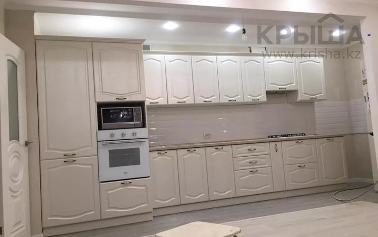 3-комнатная квартира, 90 м², 3/5 этаж, Нур 5 5 за 27 млн 〒 в Уральске
