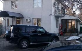 5-комнатный дом помесячно, 175 м², 8 сот., Елебекова — Аль-Фараби за 500 000 〒 в Алматы, Медеуский р-н