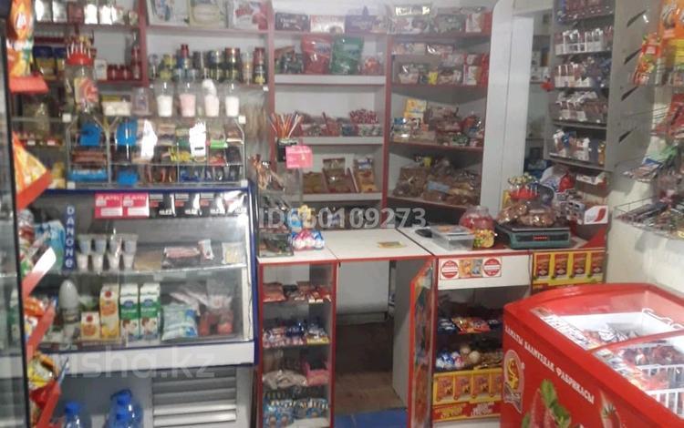 Магазин площадью 42 м², Мкр Каратау 19 за 8 млн 〒 в Таразе