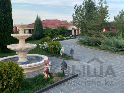 9-комнатный дом помесячно, 650 м², 20 сот., мкр Горный Гигант, Мкр Горный Гигант за 1.3 млн 〒 в Алматы, Медеуский р-н