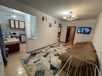 3-комнатная квартира, 65 м², 3/5 этаж посуточно, Махамбета 127 — Азаттык за 12 000 〒 в Атырау