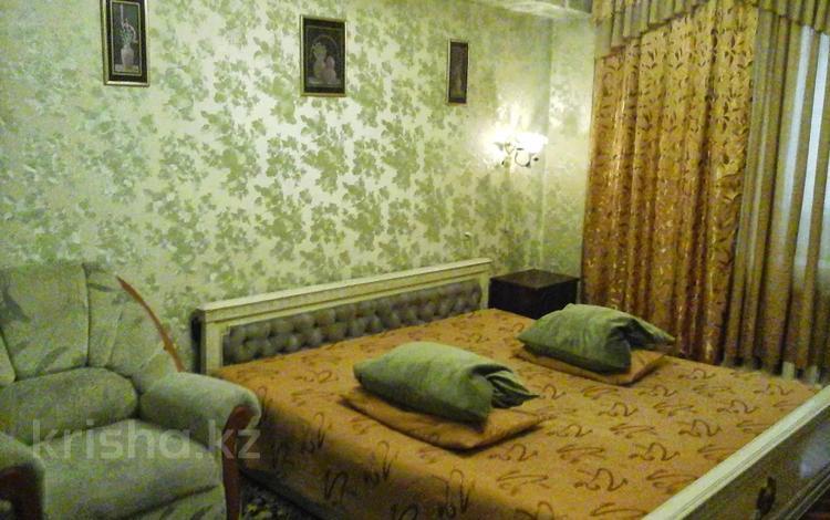 1-комнатная квартира, 37 м², 3/5 этаж посуточно, мкр №2, проспект Алтынсарина 52а — Улугбека за 7 000 〒 в Алматы, Ауэзовский р-н