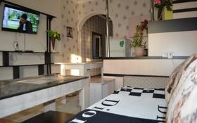 4-комнатная квартира, 100 м², 1/1 этаж посуточно, Коркыт ата 124 — Бакирова за 15 000 〒 в