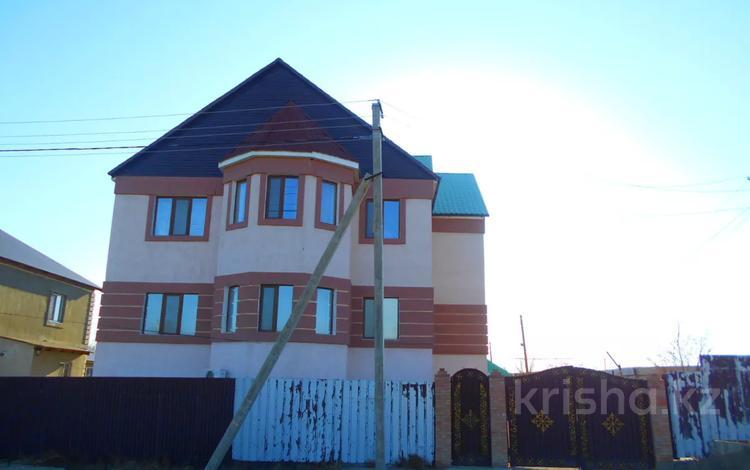 8-комнатный дом, 397 м², 11 сот., Энергетик-2 52 за ~ 48.9 млн 〒 в Атырау