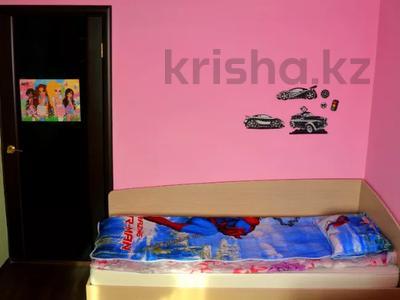 3-комнатная квартира, 64.8 м², 5/5 этаж, Микрорайон №7 за 12 млн 〒 в Новой бухтарме — фото 6