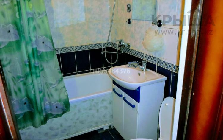 1-комнатная квартира, 40 м², 1/4 этаж посуточно, Назарбаева 222 — Евразия за 5 000 〒 в Уральске