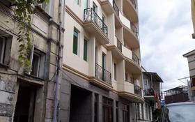 3-комнатная квартира, 60 м², 2/4 этаж, Переулок Реваза Комахидзе 8 за 26 млн 〒 в Батуми
