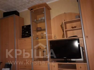 2-комнатная квартира, 47 м², 5/5 этаж помесячно, 6-й мкр 4 — Ермекова за 90 000 〒 в Караганде, Казыбек би р-н — фото 2