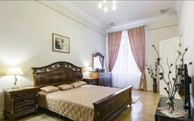 3-комнатная квартира, 130 м², 5/18 этаж посуточно, Мәңгілік Ел 51 — Улы Дала за 22 000 〒 в Нур-Султане (Астана), Есиль р-н