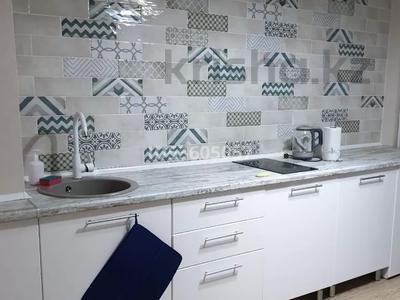 2-комнатная квартира, 45 м², 4/10 этаж посуточно, Жибек Жолы 5 за 13 000 〒 в Усть-Каменогорске — фото 17