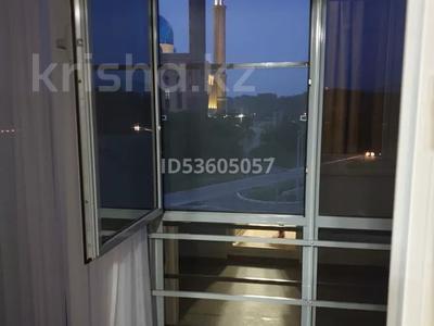 2-комнатная квартира, 45 м², 4/10 этаж посуточно, Жибек Жолы 5 за 13 000 〒 в Усть-Каменогорске — фото 8
