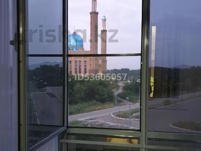 2-комнатная квартира, 45 м², 4/10 этаж посуточно, Жибек Жолы 5 за 13 000 〒 в Усть-Каменогорске — фото 9