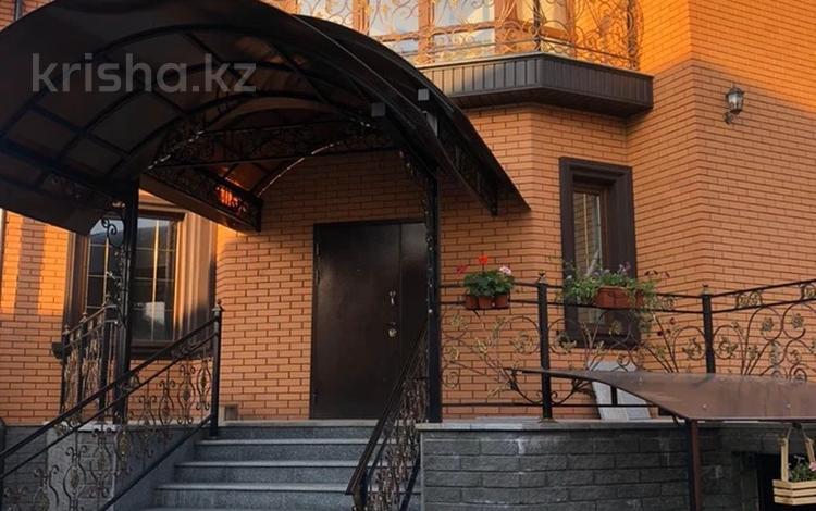 7-комнатный дом, 500 м², 8 сот., мкр Таугуль-3 — Мажекена бутина за 180 млн 〒 в Алматы, Ауэзовский р-н