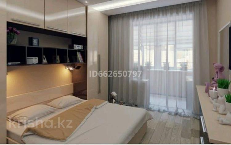 4-комнатная квартира, 140 м², 6/12 этаж посуточно, Сарайшык 5 за 25 000 〒 в Нур-Султане (Астана), Есиль р-н