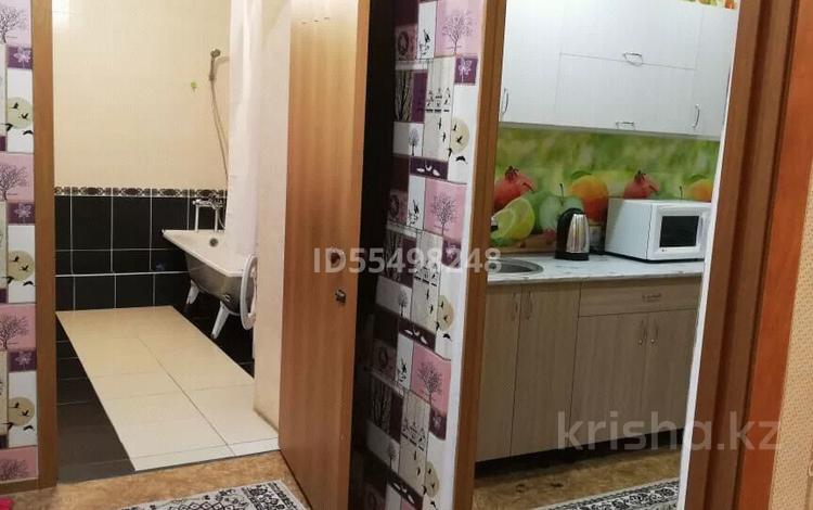 1-комнатная квартира, 43 м², 1/10 этаж посуточно, Амангельды — Лесная за 6 500 〒 в Павлодаре