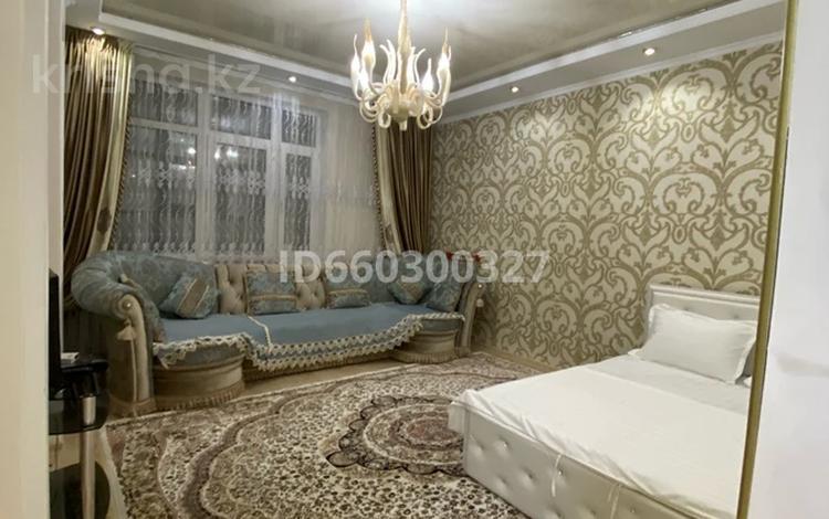 1-комнатная квартира, 52 м², 4/9 этаж посуточно, Мангилик ел 53 — Улы дала за 10 000 〒 в Нур-Султане (Астана), Есиль р-н