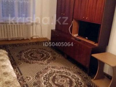 2-комнатная квартира, 37 м², 3/5 этаж посуточно, Первомайская 28в за 5 000 〒 в Семее — фото 3