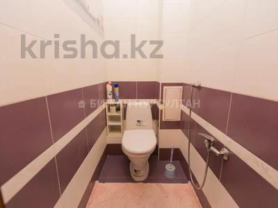 2-комнатная квартира, 66 м², 10/12 этаж, Айнакол 60 за 19 млн 〒 в Нур-Султане (Астана), Алматы р-н — фото 12