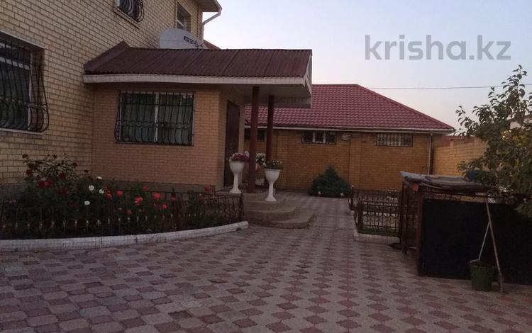 5-комнатный дом, 300 м², 10 сот., Крупская за 39.5 млн 〒 в Темиртау