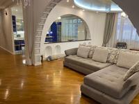 5-комнатная квартира, 280 м², 9/10 этаж помесячно