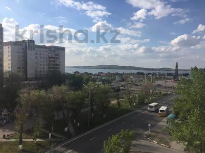 2-комнатная квартира, 55 м², 6/9 этаж посуточно, Металлургов 3 — Республики за 9 995 〒 в Темиртау — фото 10