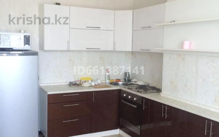 2-комнатная квартира, 65 м², 8/12 этаж помесячно, Сауран 3/1 за 160 000 〒 в Нур-Султане (Астана), Есиль р-н