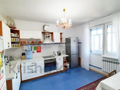 3-комнатная квартира, 90 м², 12/13 этаж, Алии Молдагуловой 27А за 24.7 млн 〒 в Нур-Султане (Астана), Сарыарка р-н — фото 21